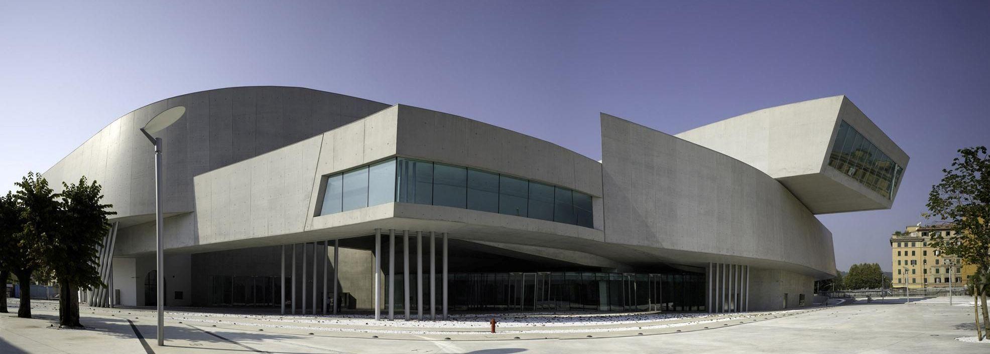Zaha hadid architetto deviante frontiere - Hadid architetto ...