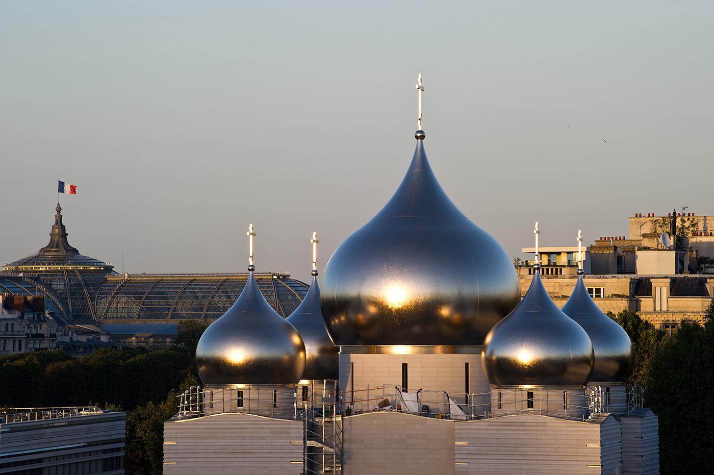Una presenza cospicua nello skyline parigino.